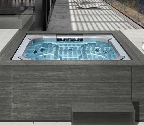 Marque Riviera Pool
